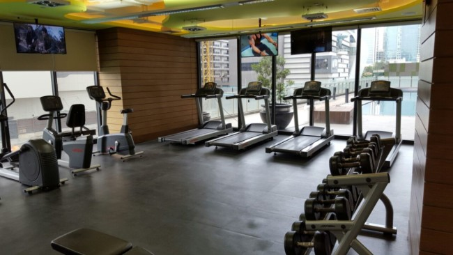 knightsbridge-apartment-gym-manila-dumbbells