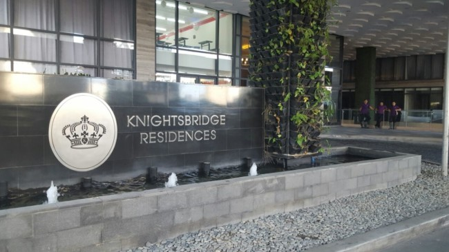 knightsbridge-apartment-manila-entrance-sign