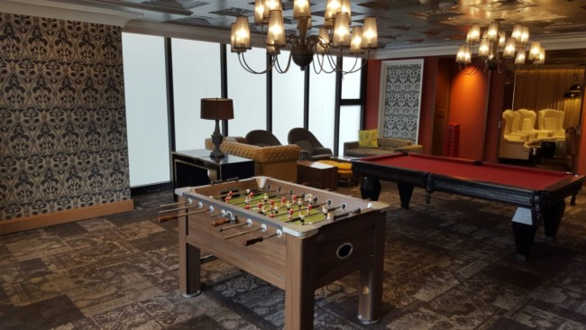 knightsbridge-condo-football-table