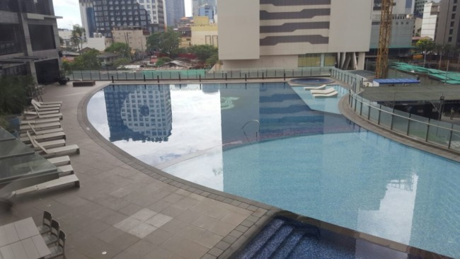 knightsbridge-manila-swimming-pool