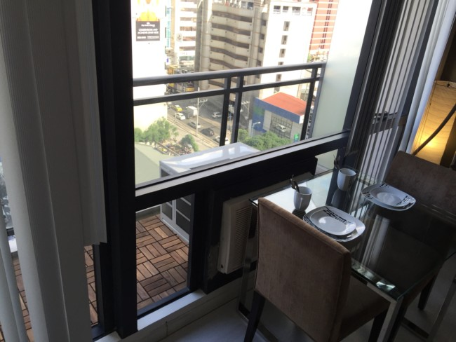 gramercy-manila-apartments-balcony