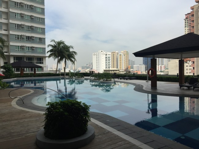 the-beacon-roces-tower-condo-pool
